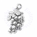 3D Cluster Of Grapes Charm With Leaf Detail