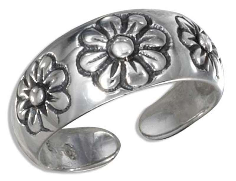 Triple Daisy Toe Ring