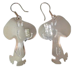 Vintage TD-53 Preowned Walking Snoopy Dangle Earrings