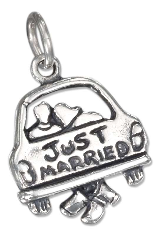 Newlyweds In Car With JUST MARRIED Sign Charm